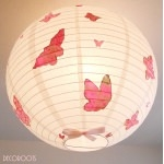 Lampe suspension envol de papillons roses fille.