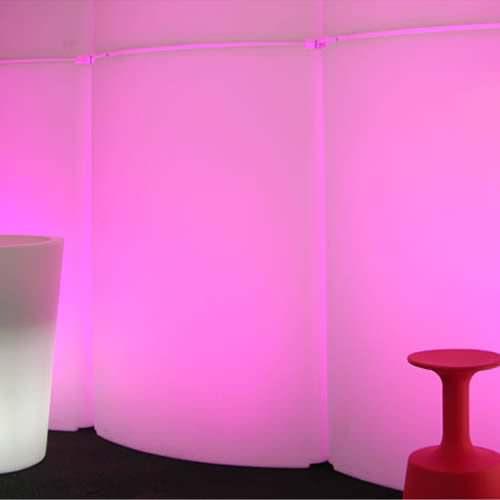 mobilier lumineux led tag re led lit lumineuse. Black Bedroom Furniture Sets. Home Design Ideas