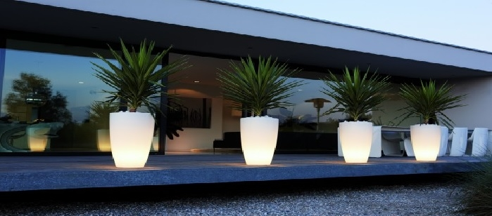 pot lumineux led int rieur et jardin deco lumineuse. Black Bedroom Furniture Sets. Home Design Ideas