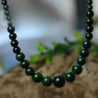 Collier perle corail vert