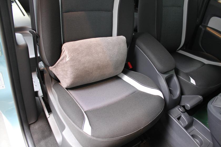 coussin lombaire pour la voiture confort de voyage pour les passagers. Black Bedroom Furniture Sets. Home Design Ideas
