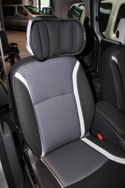 cale t te ajustable pour le confort en voiture. Black Bedroom Furniture Sets. Home Design Ideas