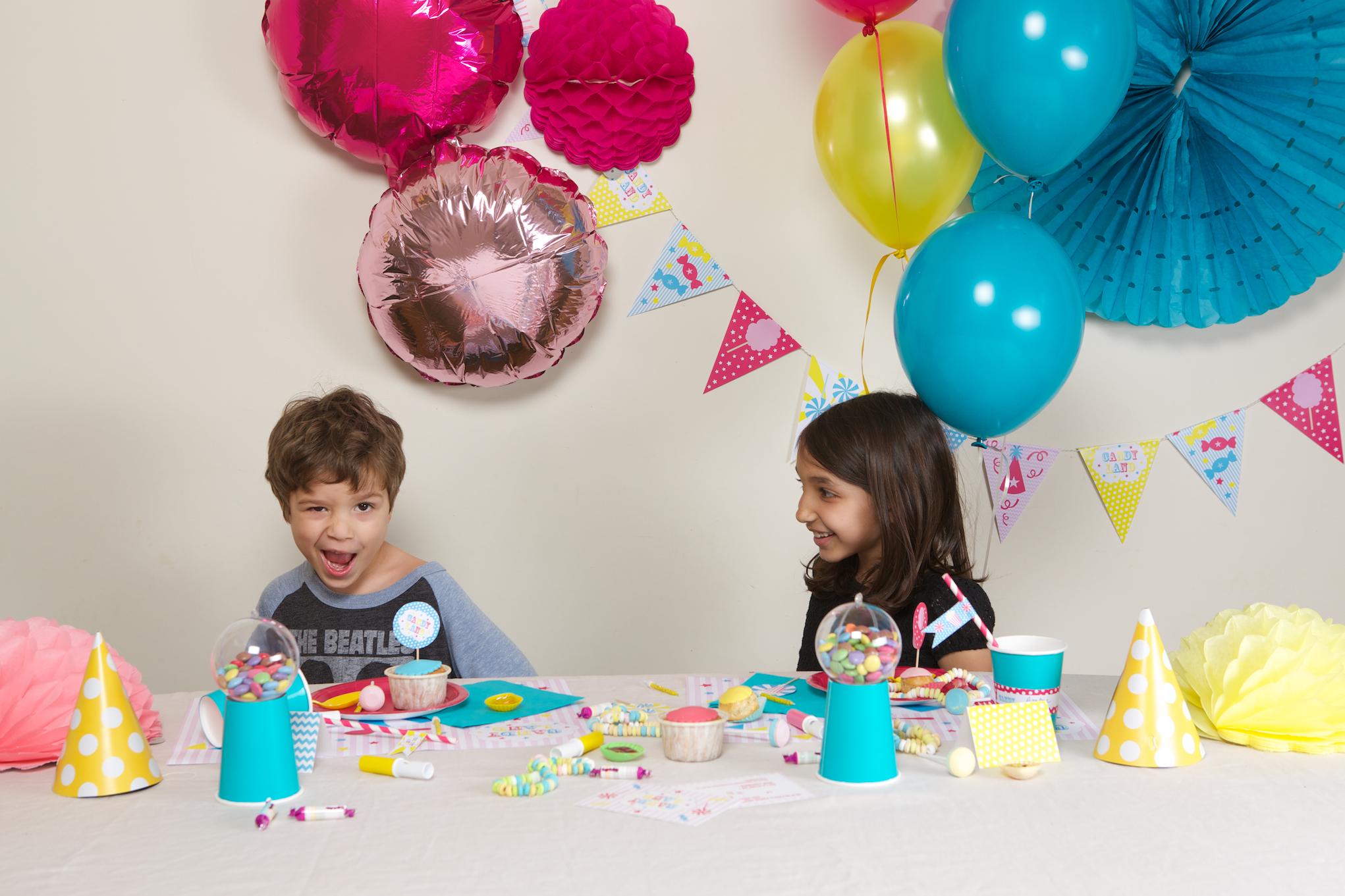 kit deco anniversaire enfant theme bonbon acheter vente. Black Bedroom Furniture Sets. Home Design Ideas
