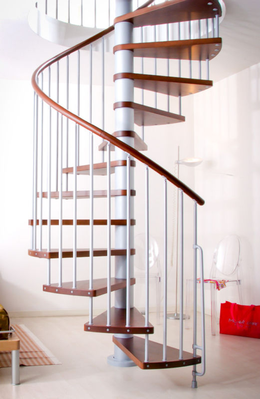 Escalier h lico dal ark klan en acier gris h tre marron 120 cm - Escalier helicoidal acier ...