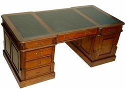 histoire du mobilier de style anglais classic stores. Black Bedroom Furniture Sets. Home Design Ideas