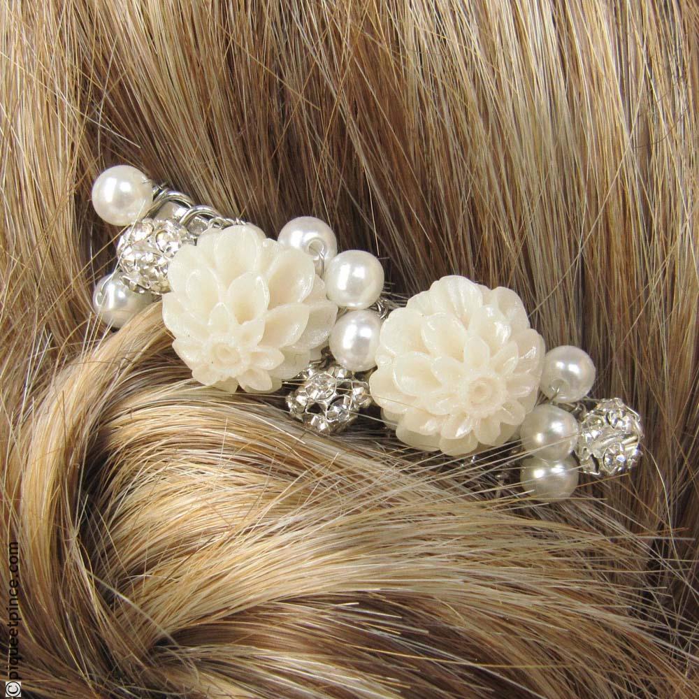 peigne cheveux accessoires cheveux mariage perles et fleurs. Black Bedroom Furniture Sets. Home Design Ideas