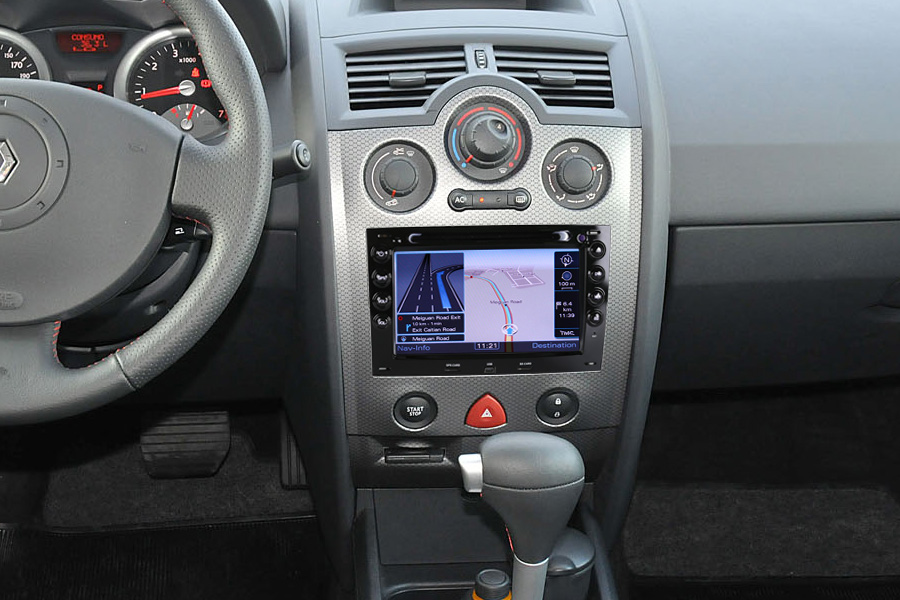 autoradio gps usb bluetooth tactile renault megane 2. Black Bedroom Furniture Sets. Home Design Ideas