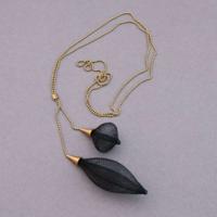 Sautoir Volubile noir perles laiton Vlum