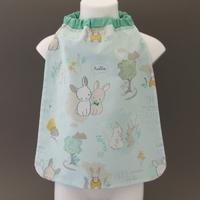 Petite serviette de table enfant 1 à 3 ans cou élastiqué Les lapins Lilooka