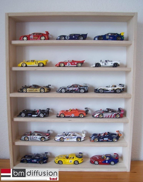 vitrine murale pour collectionneur de voiture slot car 1 32 me vitrine murale vitrine murale. Black Bedroom Furniture Sets. Home Design Ideas