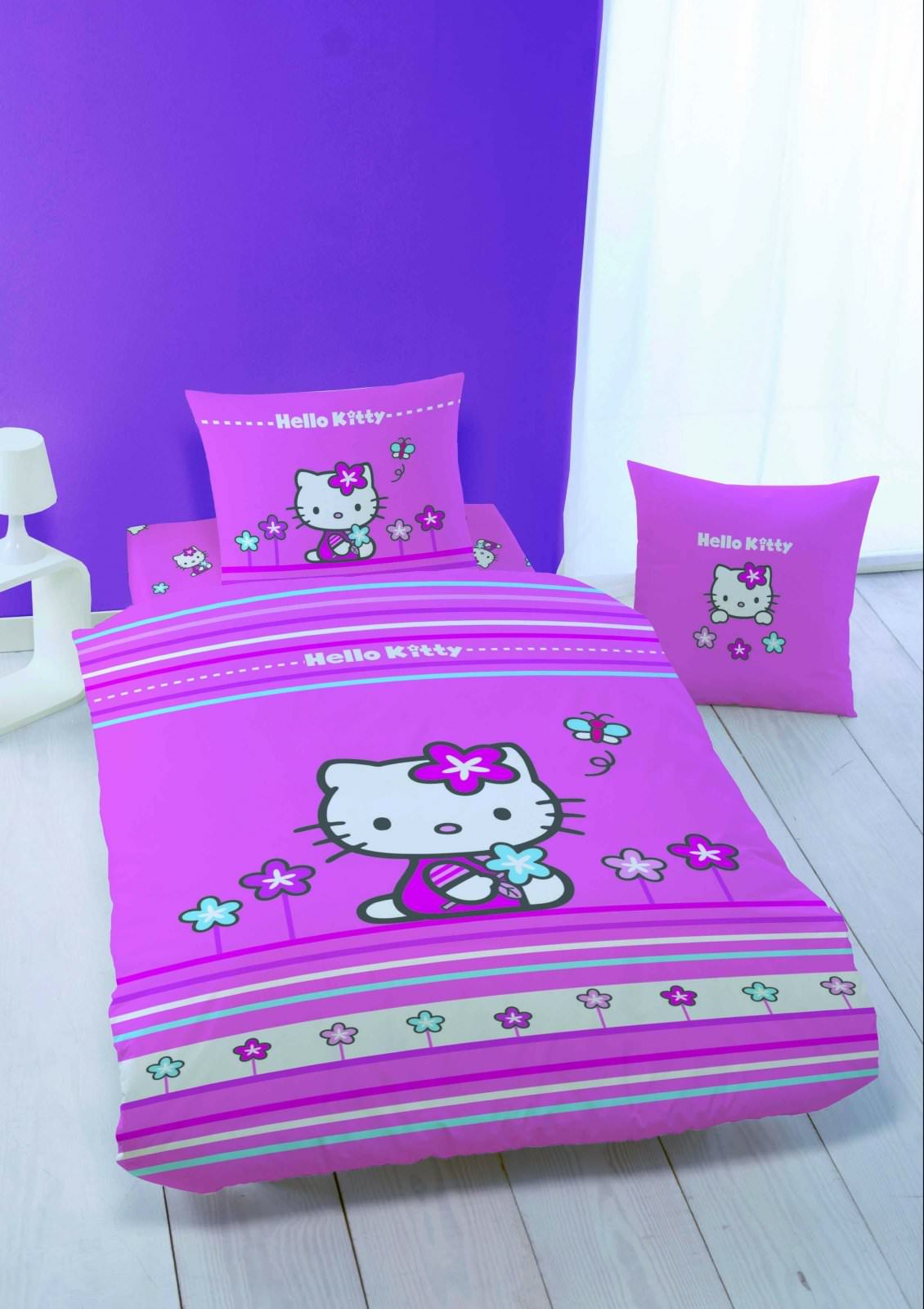housse de couette hello kitty 140 x 200 cm parure de. Black Bedroom Furniture Sets. Home Design Ideas