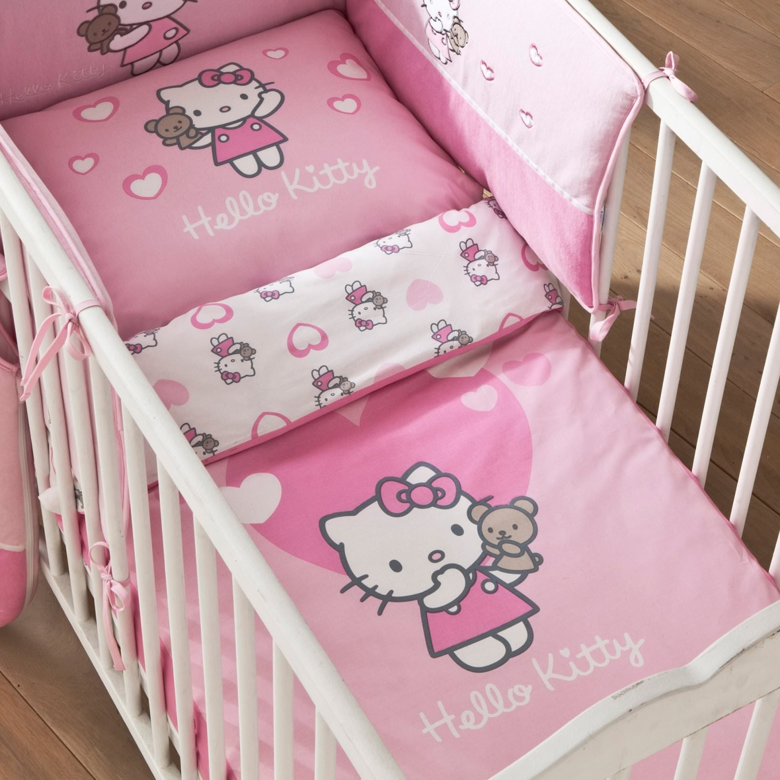 housse de couette hello kitty 100 x 135 cm petit lit parure de lit alice d cokids. Black Bedroom Furniture Sets. Home Design Ideas