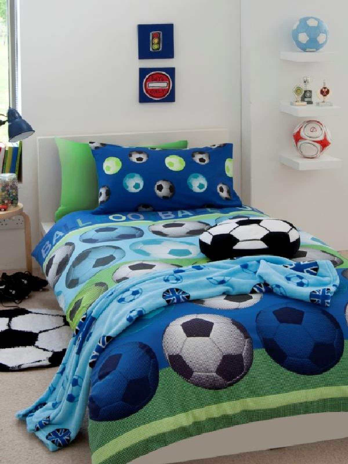 housse de couette football 200x 200cm parure de lit. Black Bedroom Furniture Sets. Home Design Ideas