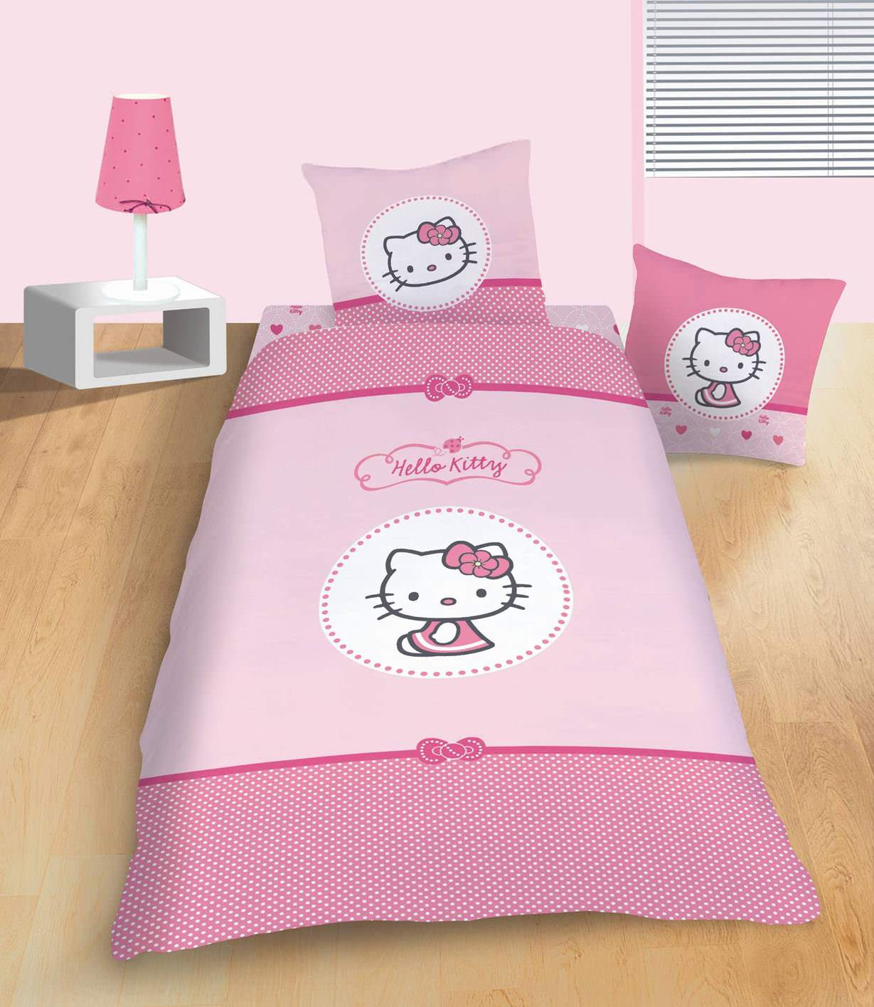 housse de couette hello kitty 140 x 200 cm parure de lit mathilda decokids. Black Bedroom Furniture Sets. Home Design Ideas