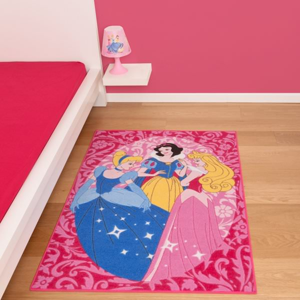 disney princesse tapis 133 x 95 cm disney princesses decokids tous leurs h ros. Black Bedroom Furniture Sets. Home Design Ideas