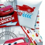 DISNEY CARS 2  - Drap Housse 90 x 190 cm assorti à la Housse de Couette America/Finish Line/RSN/Red Tire</carb>