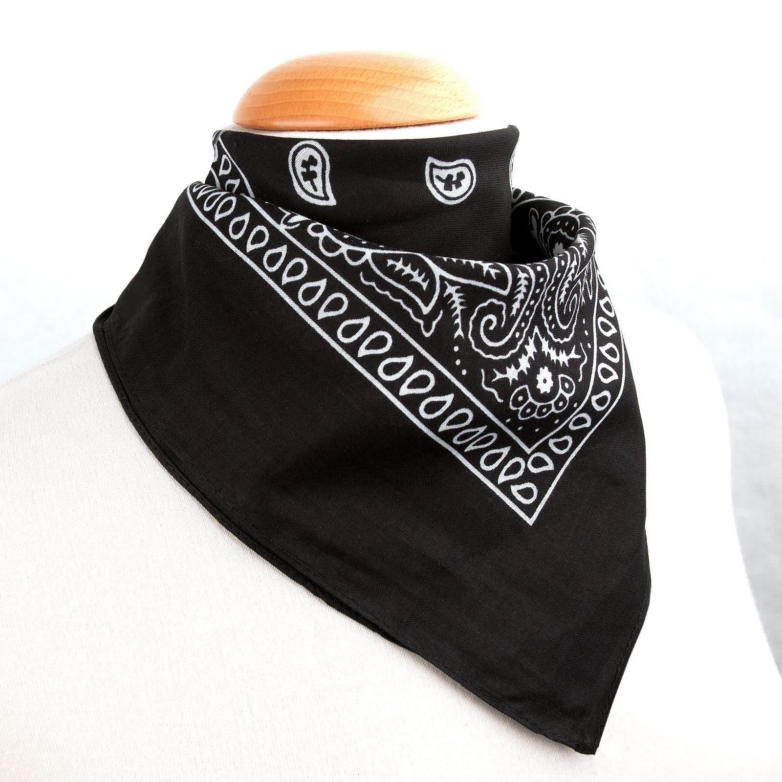 foulard bandana. Black Bedroom Furniture Sets. Home Design Ideas