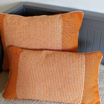coussin-orange-trendethics-cils-1-1