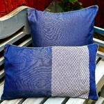 ede-design1-bee-blue-pillow-s-10-1