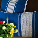 jarai-design2-blue-pillow-8