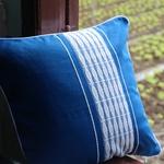 jarai-design3-blue-pillow-6