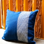 jarai-design4-blue-pillow-m-1