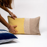 2020-10-JMDUFOUR-TrendEthics-Packshot-Main-coussin-walang-jaune-petit-bleu-1-light