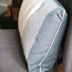 trendethics-zoom-coussin-gris-ruche