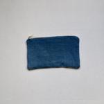 trendethics-pochette-bleu-dokmai-petite-2