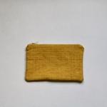 trendethics-pochette-jaune-dokmai-petite-2