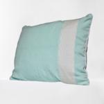 trendethics-coussin-boni-bleu-celadon-grand-3-fond-blanc