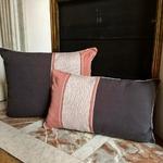 1-rose-gris-coussin-cheminée-2