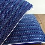laos-motif-coussin-trendethics-bleu-3