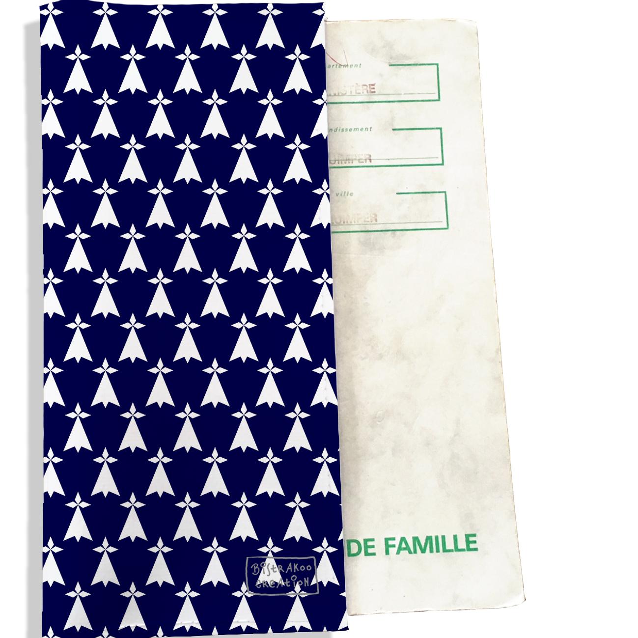 Protège livret de famille motif breton Bretagne BZH Gwen Ha Du Hermines blanches fond bleu marine L8011