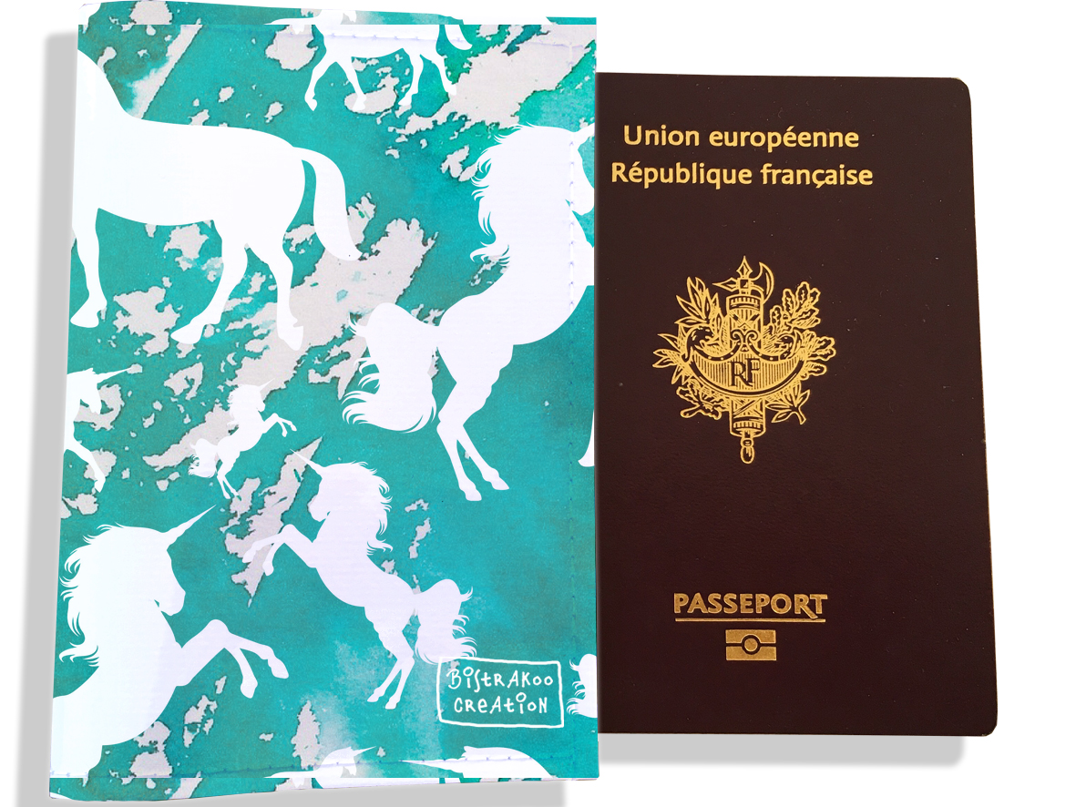 Protège passeport femme motif  Licorne bleu PP6002-2019
