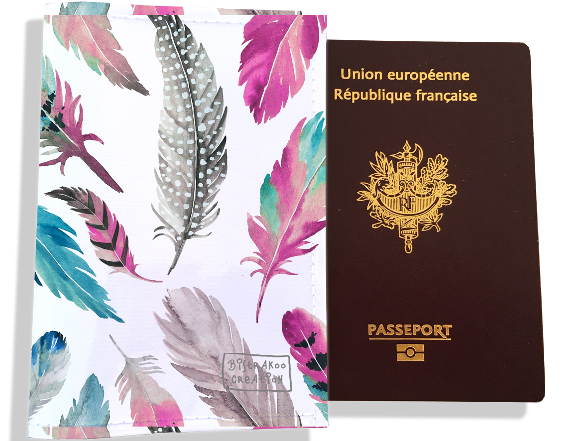 Protège passeport femme motif Plumes multicolores PP6003-2019