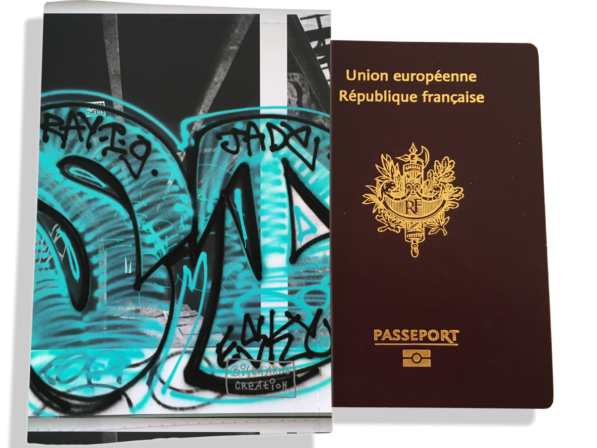 Protège passeport pour femme motif Street art PP6020