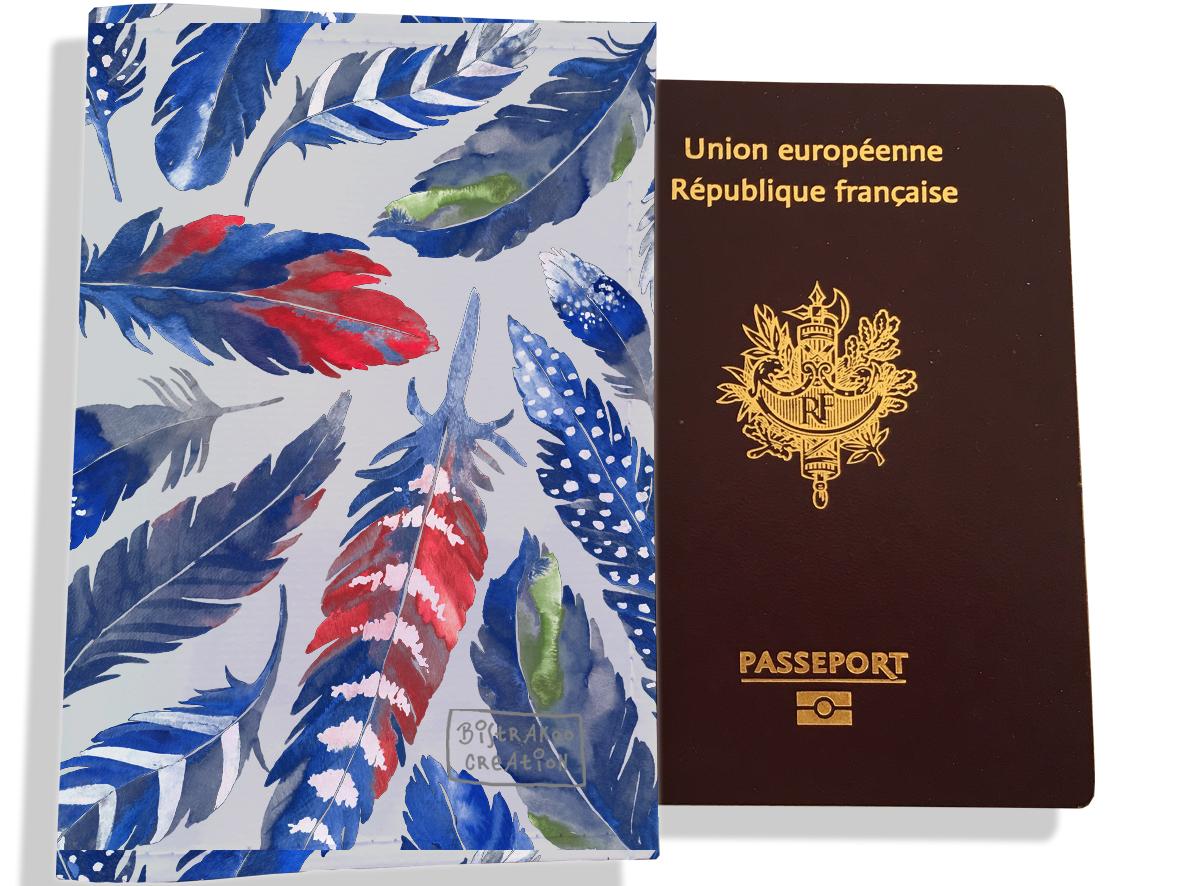 Protège passeport pour femme motif Plumes bleues PP6026