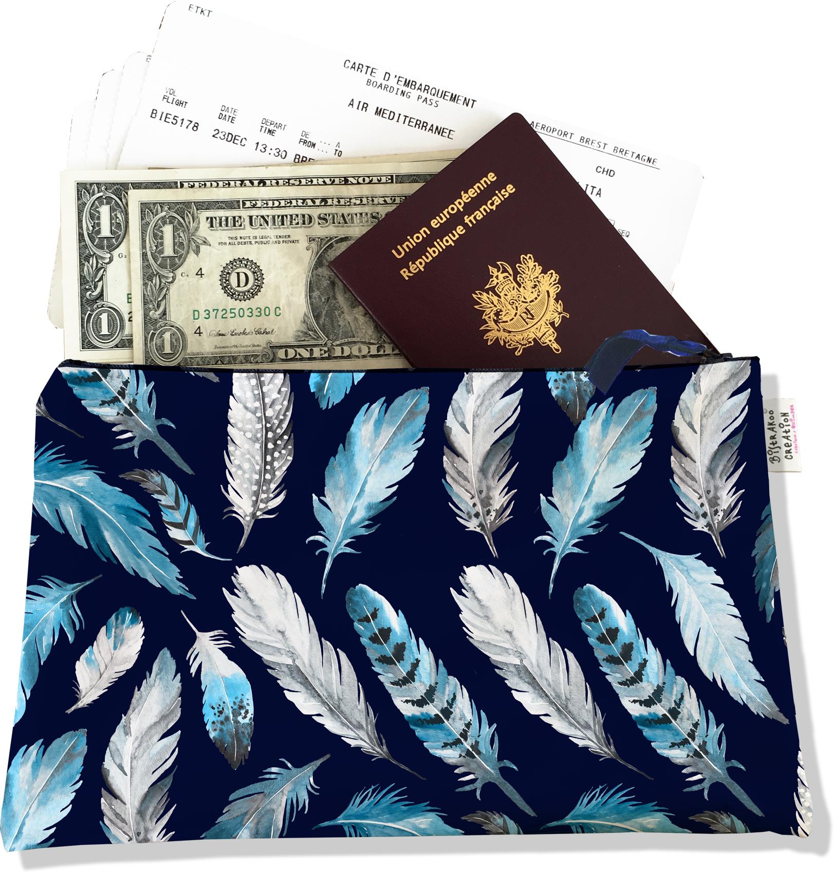 Pochette voyage, porte documents pour femme motif Plumes grises et bleues PV6030