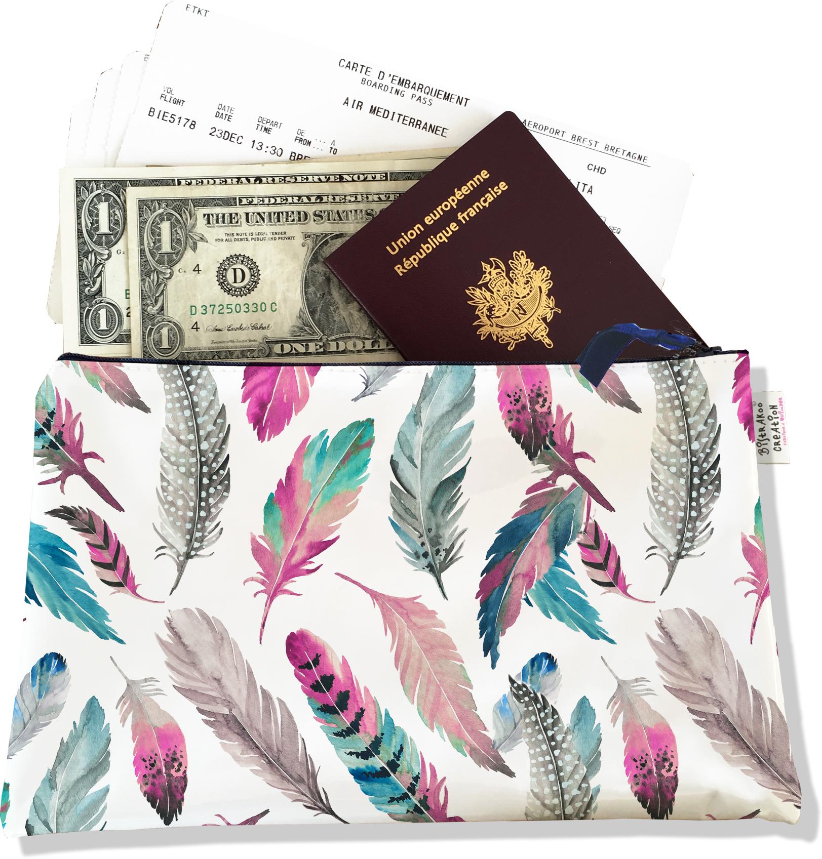 Pochette voyage, porte documents pour femme motif Plumes multicolores PV6003-2019