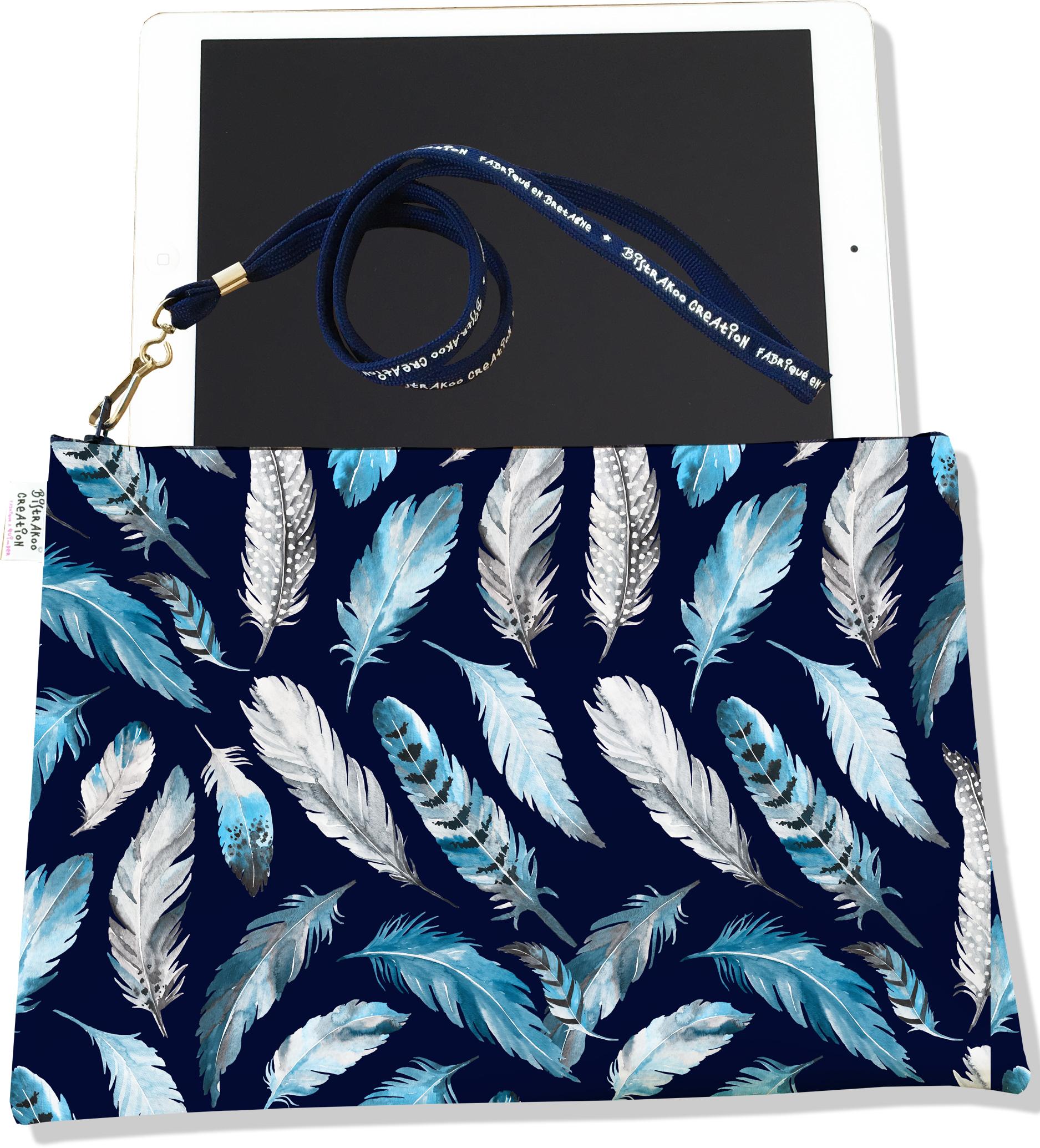 Housse pour tablette pour femme motif Plumes grises et bleues HT6030