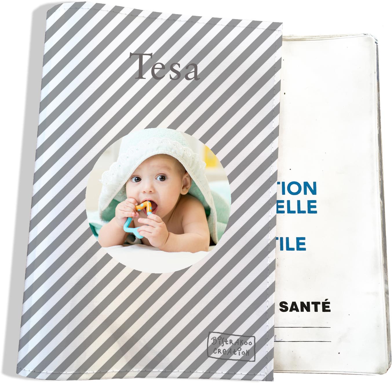 Protège carnet de santé personnalisé pour bébé fille motif Rayures