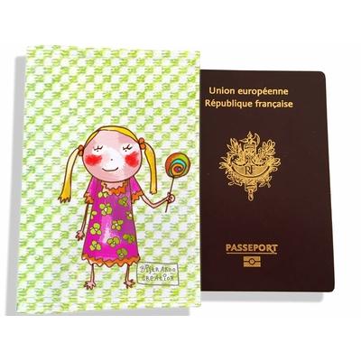 Protège passeport fille enfant Petite fille à la sucette PP7118