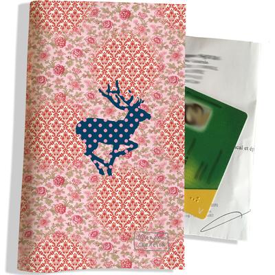 Porte ordonnance et carte vitale Cerf bleu fond tapisserie PO1505