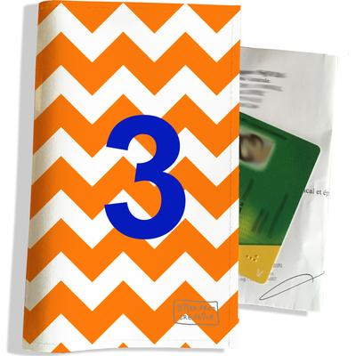 Porte ordonnance et carte vitale Chiffre 3 bleu fond Chevrons oranges PO1712