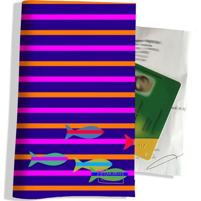 Porte ordonnance et carte vitale Coeurs et marinière multicolores PO1028