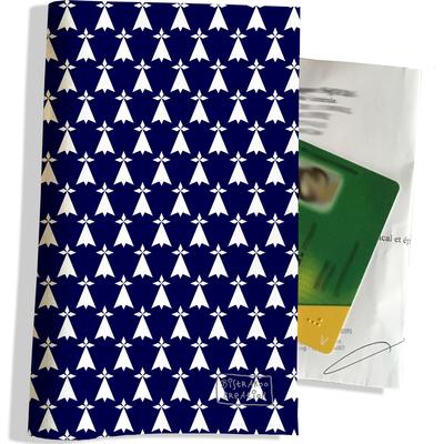 Porte ordonnance et carte vitale Hermines blanches fond bleu marine Bretagne Breizh PO8010