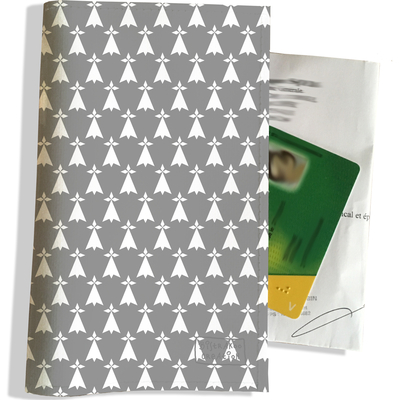 Porte ordonnance et carte vitale Hermines blanches fond gris Bretagne Breizh PO8009