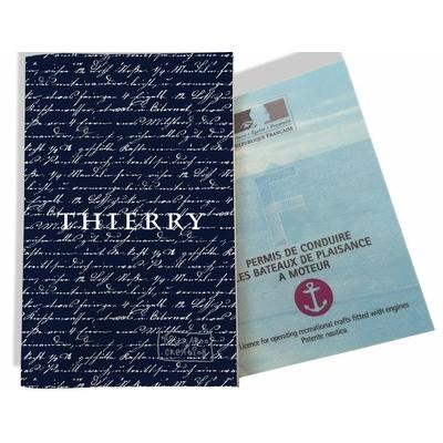 Porte permis bateau personnalisé homme Ecriture manuscrite fond bleu marine P2135