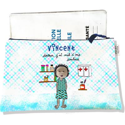 Protège carnet de santé personnalisé zippé pour bébé garçon motif Docteur, j'ai mal à ma douleur